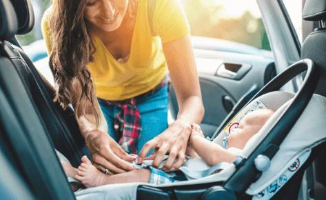 Seguridad vial infantil: cuando los brazos de mamá no son el lugar más seguro